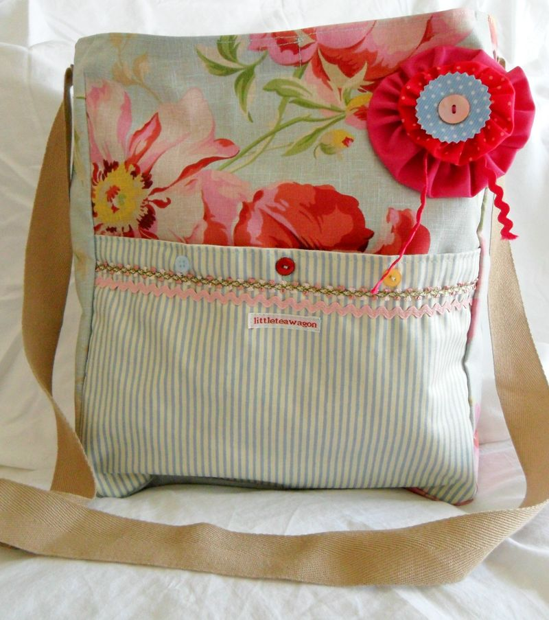 Pretty Floral Fabric Messenger Bag