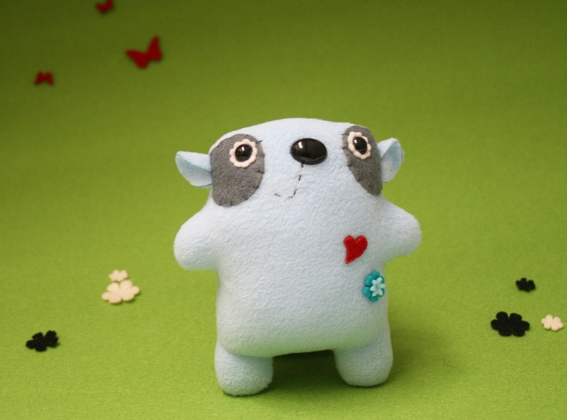 Snugs - the plushy collectible (number 1)